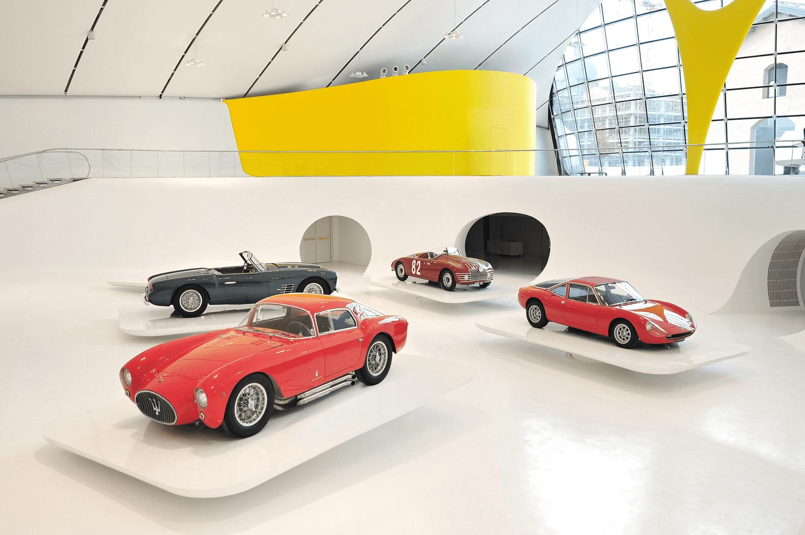 Maserati gietvloer showroom