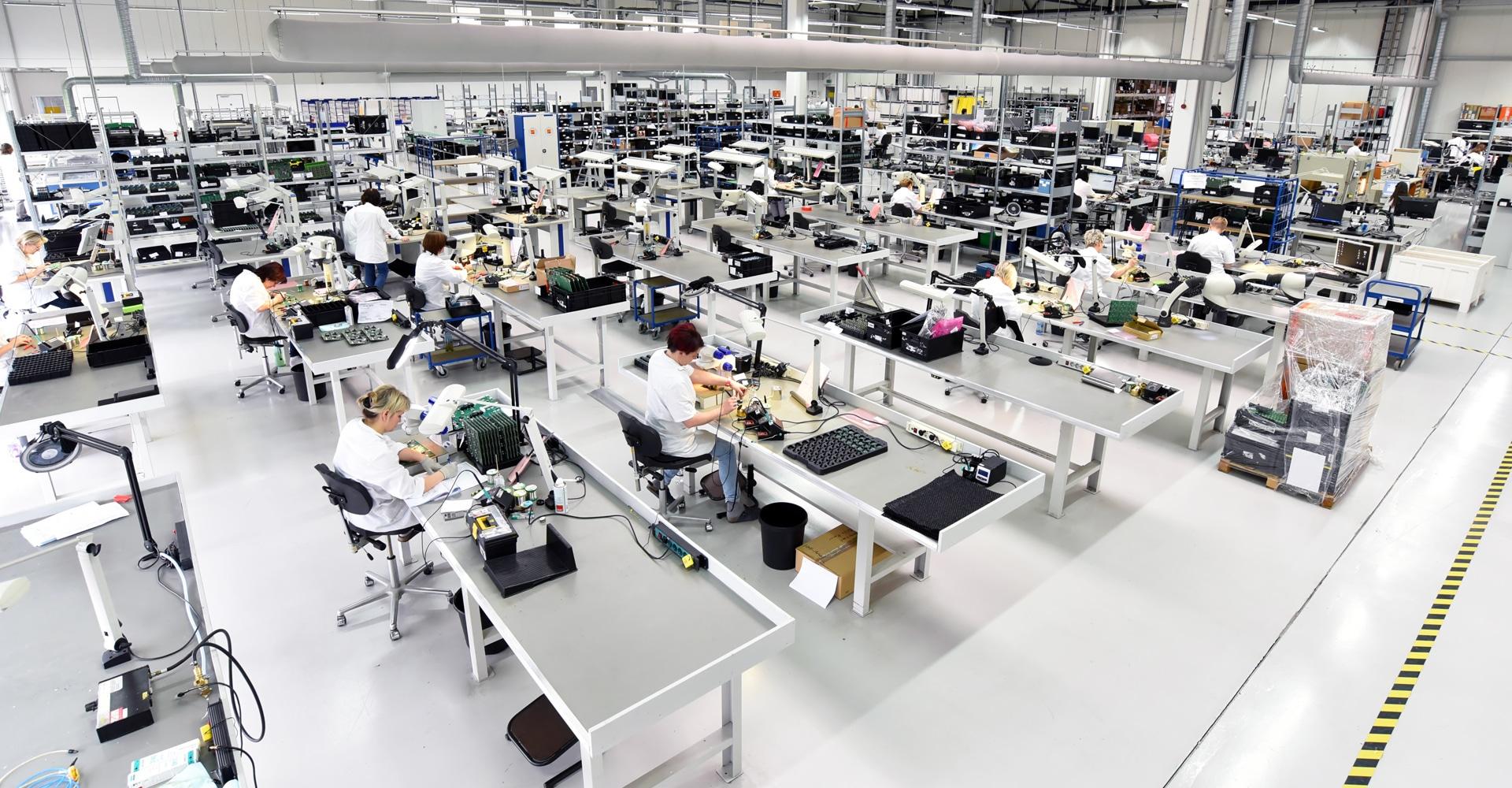 Fabrieksvloer in productieruimte