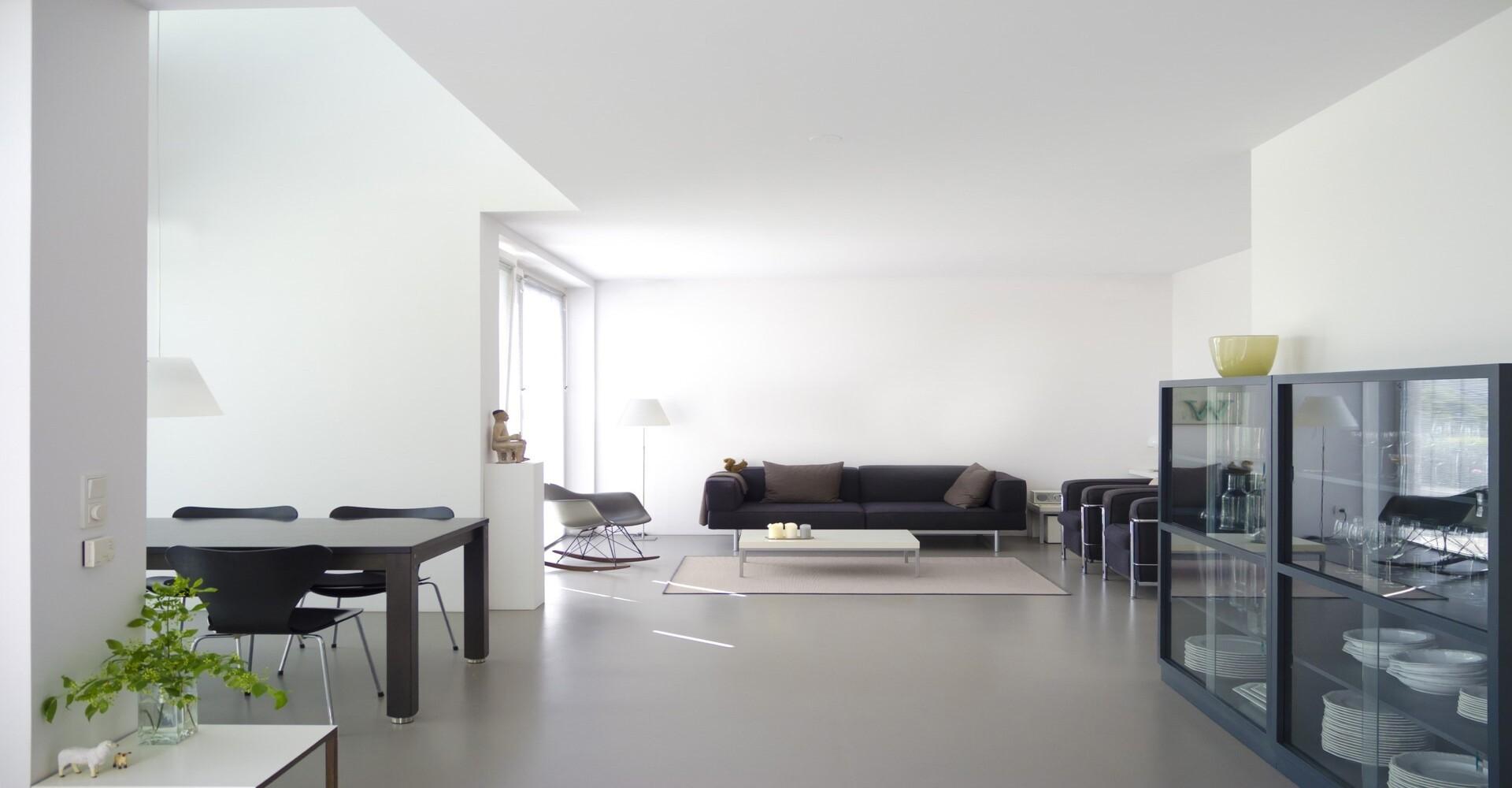 Gietvloer over plavuizen vloer met vloerverwarming